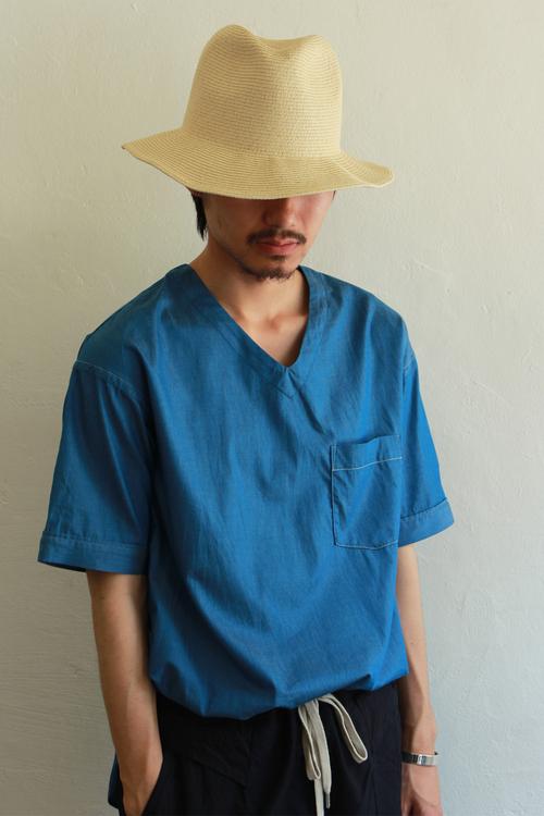 V_Neck_Shirt_3.jpg
